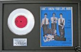 "THESEARCHERS -7"" PlatinumDisc & songsheet - DONT THROW YOUR LOVE"